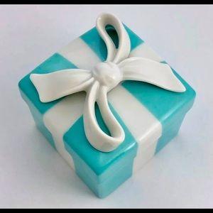 Rare Authentic Vintage Tiffany Blue Trinket Box